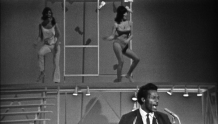 tami-chuck-berry-and-girls-12